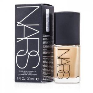 En Ucuz NARS Sheer Glow Foundation - Deauville (Light 4 - Light w/ Neutral Balance of Pink & Yellow Undertone) Fiyatı